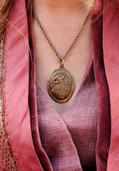 cersei's lion necklace... I'd totally be a Lannister... Just not Cersei.
