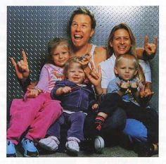 Such a sweet pic of James Hetfield n his family