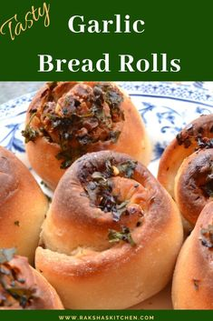 Garlic rolls are easy bread rolls made with garlic, butter and herbs and can be baked and served for any meal. These can be made from frozen dough too. Lunch Recipes, Vegetarian Recipes, Dinner Recipes, Healthy Recipes, Yummy Recipes, Healthy Food, Homemade Garlic Bread, Homemade Breads, Beginner Baking Recipes