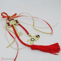 γούρι 2020 με μεταλλικό κλειδί καρδιές Tassel Necklace, Tassels, Charms, Jewelry, Jewlery, Bijoux, Jewerly, Tassel, Jewelery