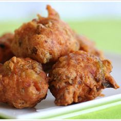A traditional Indian treat; Chilli Bites can be served as a snack at any time – that being said, I don't think it will go down well with a glass of Chardonnay or a Long Island Tea, perhaps ra… Chilli Recipes, Indian Food Recipes, Snack Recipes, Cooking Recipes, Ethnic Recipes, Easy Recipes, Indian Snacks, Brunch Recipes, Vegan Recipes