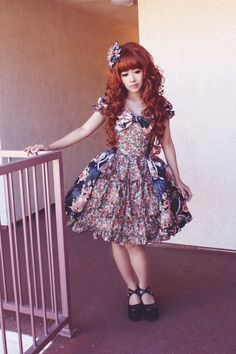 Gothic Lolita , I love this so much even though this doesn't look too gothic to me !