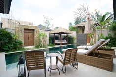 Helt hjem/leilighet i Ubud, Indonesia. A brand-new luxurious & stylish villa with outdoor living space, 9 meter pool, gazebo, incredible master bedroom and master bathroom (double shower.