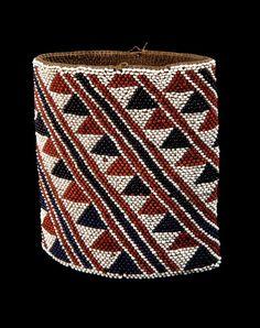 Vanuatu I Armband; natural fiber and European black, red and white glass beads. Vanuatu, Ethnic Jewelry, Jewellery, African Textiles, Indigenous Art, Egyptian Art, Tribal Art, Ancient Art, Bead Crafts