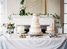 These gold accents highlight this scrumptiously bohemian designed cake!
