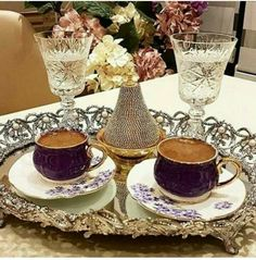 Turkish Coffee Cups, Turkish Tea, Good Morning Coffee, Coffee Break, Coffee Presentation, Chocolates, Coffee Girl, Coffee Lovers, Brown Coffee