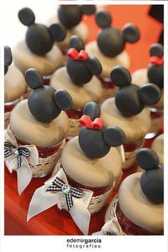 Vintage Mickey and Minnie Mouse Party via Kara's Party Ideas | Kara'sPartyIdeas.com #vintage #mickey #and #minnie #mouse #party (33)