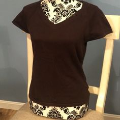 Talbots Brown Short Sleeve Sweater Gently used chocolate brown sweater by Talbots (petites). Cute paired with a skater skirt. Dark Autumn, Brown Sweater, Chocolate Brown, Fashion Design, Fashion Tips, Fashion Trends, Talbots, Cotton Spandex, Skater Skirt