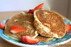 : Low Carb Greek Yogurt Pancakes