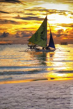 sailing in Boracay, Western Visayas, The Philippines