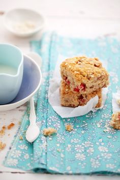 Strawberry and Quinoa Scones :: I would make it even healthier by substituting a low-glycemic sweetener :: #recipe