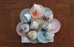 Jogo de xícaras diversas cores