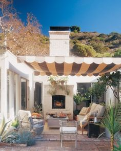 "See the ""Create Hollywood Glamour"" in our  gallery: like the fireplace idea"