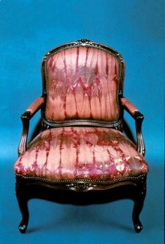 Tie dyed leather chair. Maya Romanoff leather. Now just to find out where to get one!