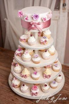 5 szintes antikolt fehér fa desszertállvány - CUPPCAKE   Jack&Jane tortaállványok Cupcake Cakes, Cupcakes, Fa, Vanilla Cake, Desserts, Tailgate Desserts, Deserts, Postres, Dessert