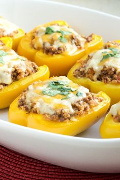 Healthy Meals For Kids Taco Stuffed Peppers- Quick and easy weeknight meal that is ready in about 30 minutes! Kid friendly too - An easy weeknight dinner that can be prepped ahead of time and the whole family will love these taco stuffed peppers! Quick Healthy Meals, Healthy Foods To Eat, Healthy Cooking, Healthy Eating, Cooking Recipes, Healthy Recipes, Healthy Kids, Eating Clean, Cooking Ideas