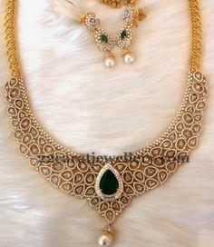 Diamond Emerald Dazzling Necklace   Jewellery Designs