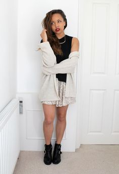 Fall Winter Outfits, Winter Fashion, Silver Sequin Skirt, Beauty Crush, Girls In Mini Skirts, Sammi Maria, Samantha Maria, New Wardrobe, Beautiful People