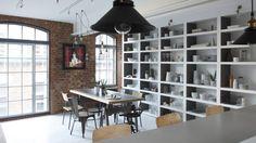 How To Create A Luxury Dining Room Decor Like Oliver Burns | luxury dining room, dining room ideas, oliver burns #diningroomideas #diningroomdesign #oliverburns Read more: http://diningroomideas.eu/create-luxury-dining-room-decor-like-oliver-burns/