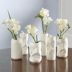 Crushed Can Decor DIY Inspiration - Crumpled Soda Cans upcycled into Flower Vases using Spray Paint.DIY Inspiration - Crumpled Soda Cans upcycled into Flower Vases using Spray Paint. Diy Projects To Try, Craft Projects, Craft Ideas, Diy Recycling, Recycle Cans, Repurposing, Recycle Things, Recycling Projects, Design Vase