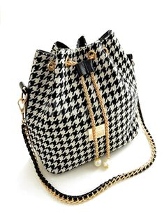 #Bolso #houndstooth elegante con un toque retro http://www.milanoo.com/es/producto/blanco-cierre-pu-cuero-hobo-fabuloso-medio-saquito-para-las-mujeres-p414339.html