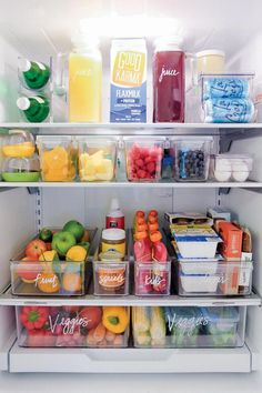 home organisation Fridge organization from The Home Edit Refrigerator Organization, Kitchen Organization Pantry, Small Space Organization, Home Organisation, Organization Ideas For The Home, Organized Fridge, How To Organize Fridge, Organized Pantry, Fridge Storage