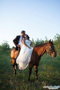 Calgary Dewinton Wedding Photo on Horseback, wedding photos with horses, sunset wedding photos Sunset Wedding, Professional Photography, Calgary, Real Weddings, Photo Ideas, Wedding Photos, Wedding Photography, Horses, Unique