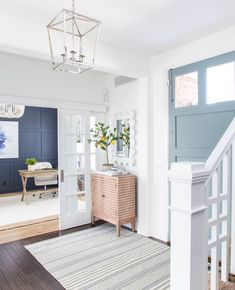 The Best Blue Gray Paint Colors – Life On Virginia Street - interior design Coastal Entryway, Entryway Decor, Entryway Paint Colors, Office Paint Colors, Coastal Farmhouse, Coastal Homes, Interior Door Colors, Painted Interior Doors, Bedroom Decor