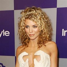 Attention all curly-hair types: This is your cut. And don't be afraid to go big, like Annalynne McCord does. -------Heck with the hair-What's with the dress that looks like hands cupping her. Long Layered Curly Hair, Layered Curly Haircuts, Wavy Hair, Curly Layers, Curls Hair, Natural Hair Styles, Short Hair Styles, Curly Hair Types, Hair Today