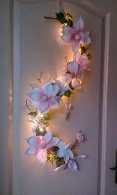 Image gallery – Page 733312751805011445 – Artofit Paper Flower Art, Large Paper Flowers, Giant Paper Flowers, Flower Crafts, Diy Flowers, Flower Decorations, Fabric Flowers, Deco Studio, Diy And Crafts