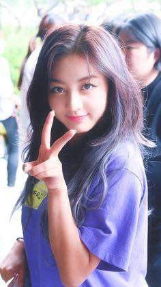 Jihyo (a/k/a Jisoo) Kpop Girl Groups, Korean Girl Groups, Kpop Girls, Nayeon, Asian Woman, Asian Girl, Hyuna, Jihyo Twice, Twice Kpop