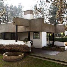 Belgian bungalow by architect Achiel Hutsebaut 1970. . #concrete #arch #archilovers #architecture #sculpture #art #design #residential #belgium by the.concrete.project