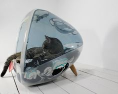 Upcycled Apple Computer Pet Bed