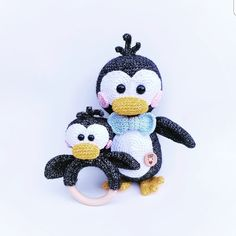 Rammelaar Pinguïn Pip - gratis haakpatroon Sugary Sweet Design Crochet Ring Patterns, Crochet Doll Pattern, Crochet Patterns Amigurumi, Crochet Dolls, Baby Patterns, Doll Patterns, Crochet Baby Toys, Crochet Gifts, Crochet Animals