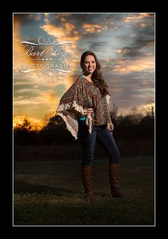 Senior Pictures Ideas For Girls | If you're a senior looking for senior portraits, we hope you ...