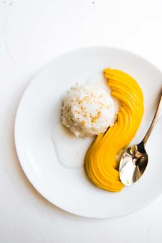 Thai Coconut Mango Sticky Rice is made with sweet, yellow mango, sticky rice, and an amazing coconut sauce that will transport you right to the tropics! Thai Recipes, Asian Recipes, Cooking Recipes, Asian Desserts, Coconut Sauce, Thai Coconut, A Food, Food And Drink, Food Art