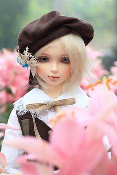 dollsaii: newtomebjd: My pretty boy by CanineGirl on Flickr. soo cute