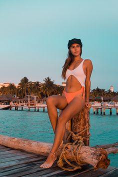 INSTAGRAM @FLORGAONAA #IslaMujeres #México #Vacations #Beach #Summer #RivieraMaya #White #Sky #FlorGaona