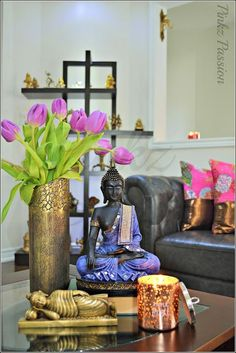 asian-living-room-ideas love the colors of the buddha. Pint those … asian-living-room-ideas love the colors of the buddha. Pint those statues! Also, the gold vase could be a wine bottle painted and gold leafed Simple And Elegant Asian Decor Ideas Feng Shui, Asian Living Rooms, Buddha Home Decor, Zen Interiors, Asian Home Decor, Living Room Decor, Elegant, Decor Ideas, Room Ideas