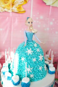 Elsa cake I made for my daughters Birthday! Elsa Birthday Party, 4th Birthday Cakes, Barbie Birthday, Birthday Ideas, Frozen Party Food, Disney Frozen Party, Frozen Birthday Party, Frozen Doll Cake, Dolly Varden Cake