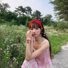 Image about theme in oh my girl by (◕‿◕✿) on We Heart It It Icons, Oh My Girl Yooa, Girls Channel, Girls Twitter, Kpop Girl Bands, Badass Aesthetic, You Are Cute, Girl Falling, Yoona