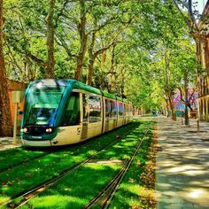 Green road - Barcelona (Please excuse the HDR pix) Urban Landscape, Landscape Design, Light Rail Station, New Urbanism, Barcelona City, Barcelona Spain, Barcelona Travel, Eco City, Smart City