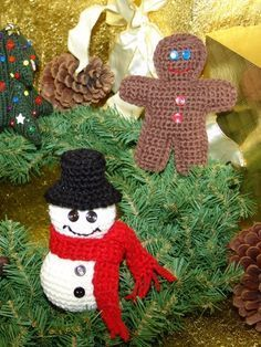 Free Pattern – Make four adorable decorations for your tree! #crochet #christmas #holidays | best stuff