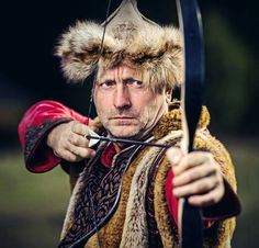 Face of ninth century. Hungary History, Traditional Archery, Budapest Hungary, Beautiful Men, Winter Hats, People, Troops, Respect, Faith