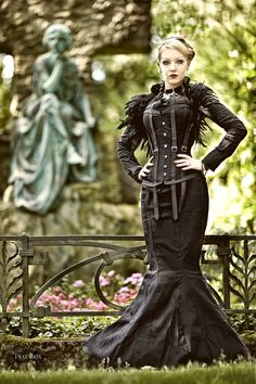 This is such a beautiful Neo-Victorian Gothic dress and costume!! I love the image!