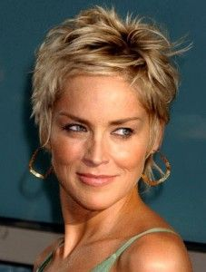 Sharon Stone Short Hair Inspirational Sharon Stone Hairstyles Front and Back Views Sharon Stone Short Hair Short Pixie Haircuts, Cute Hairstyles For Short Hair, Short Hair Cuts For Women, Pixie Hairstyles, Curly Hair Styles, Classic Hairstyles, Sharon Stone Short Hair, Sharon Stone Hairstyles, Corte Y Color