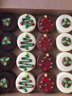 Christmas Sugar Cookies, Christmas Snacks, Xmas Food, Christmas Cooking, Holiday Cookies, Holiday Treats, Christmas Treats For Gifts, Christmas Cookie Exchange, Kids Christmas