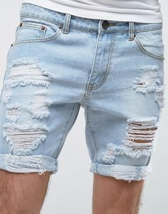 In most cases, when you buy jeans, it is usually found in long pants. Modern Mens Fashion, Mens Fashion Suits, Casual Jeans, Jeans Style, Ripped Shorts, Denim Shorts, Man Street Style, Mens Clothing Styles, Short Outfits