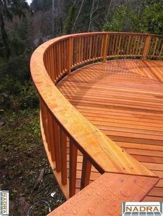 Love the railing Wood Railing, Deck Railings, Dream Garden, Home And Garden, Building A Treehouse, Cedar Deck, Deck Pictures, Deck Landscaping, Porch And Balcony