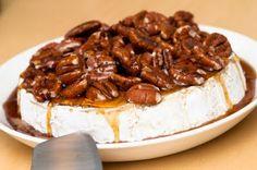 Pastanjauhantaa: Elonkorjuujuhla jänispaistin äärellä (ja paistetun brie-juuston)